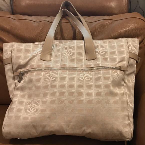 47de426b2dcc62 CHANEL Handbags - 100% Auth. Chanel Canvas Travel Line Large Tote